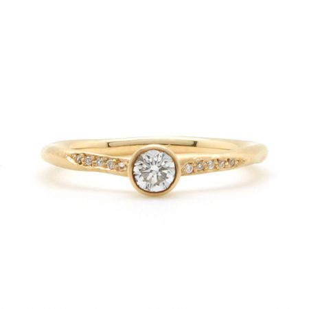 Bezel Water Texture Diamond Ring